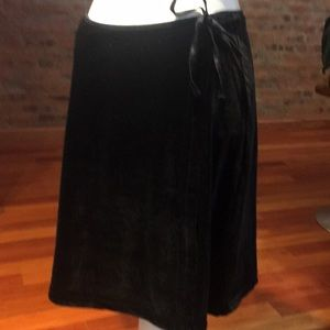 The limited skirt for women size large
